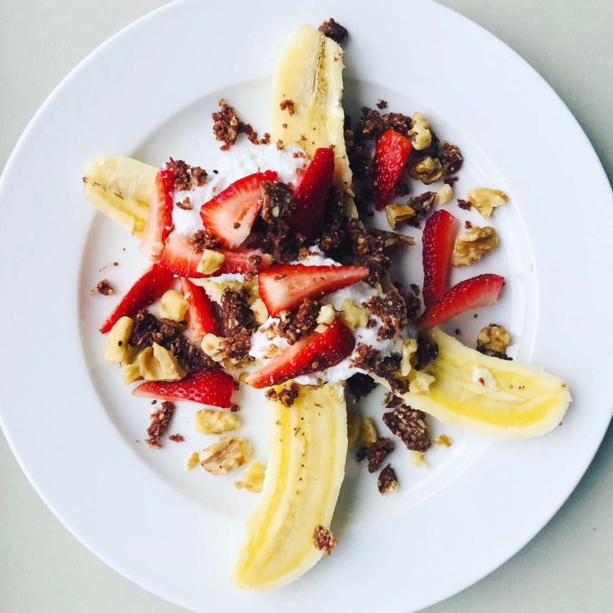 Easy Raw Vegan Banana Split